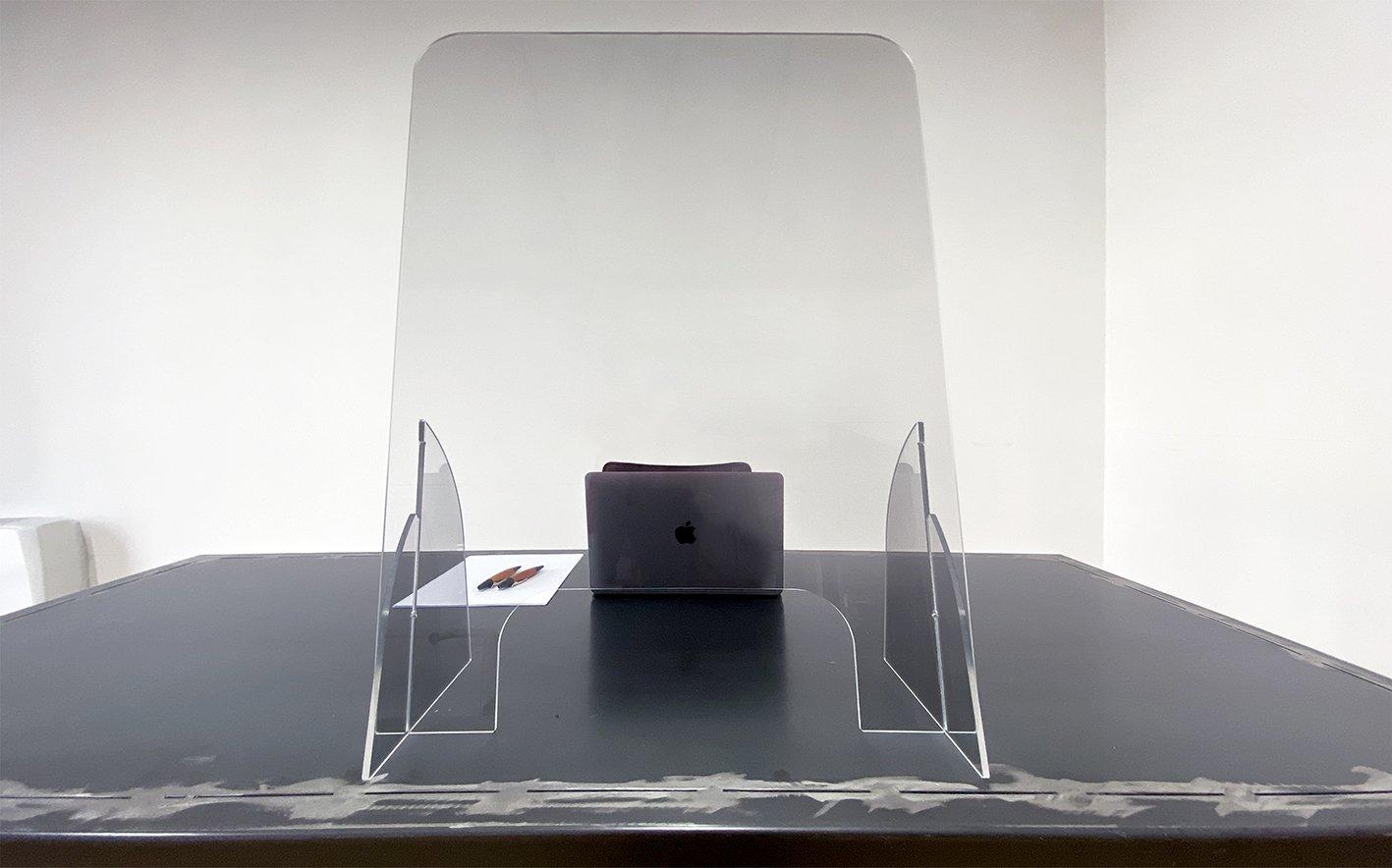 Divisori In Plexiglass Per Esterni barriere parafiato in plexiglass con piedini
